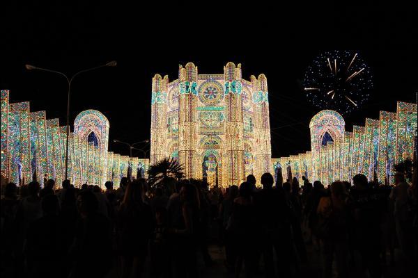 Ricami di luce alla Festa di Santa Domenica
